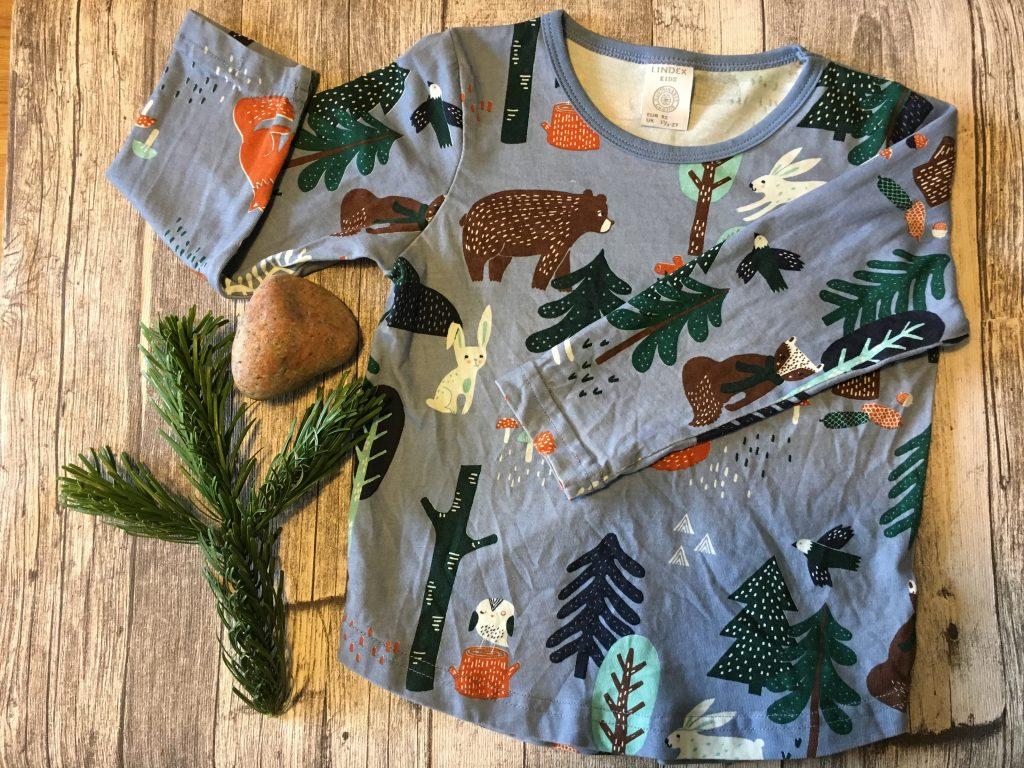 Lekfulla kläder för små äventyrare!