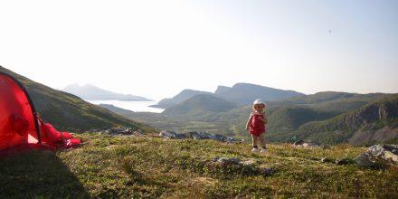 Sommaräventyr med och utan barn