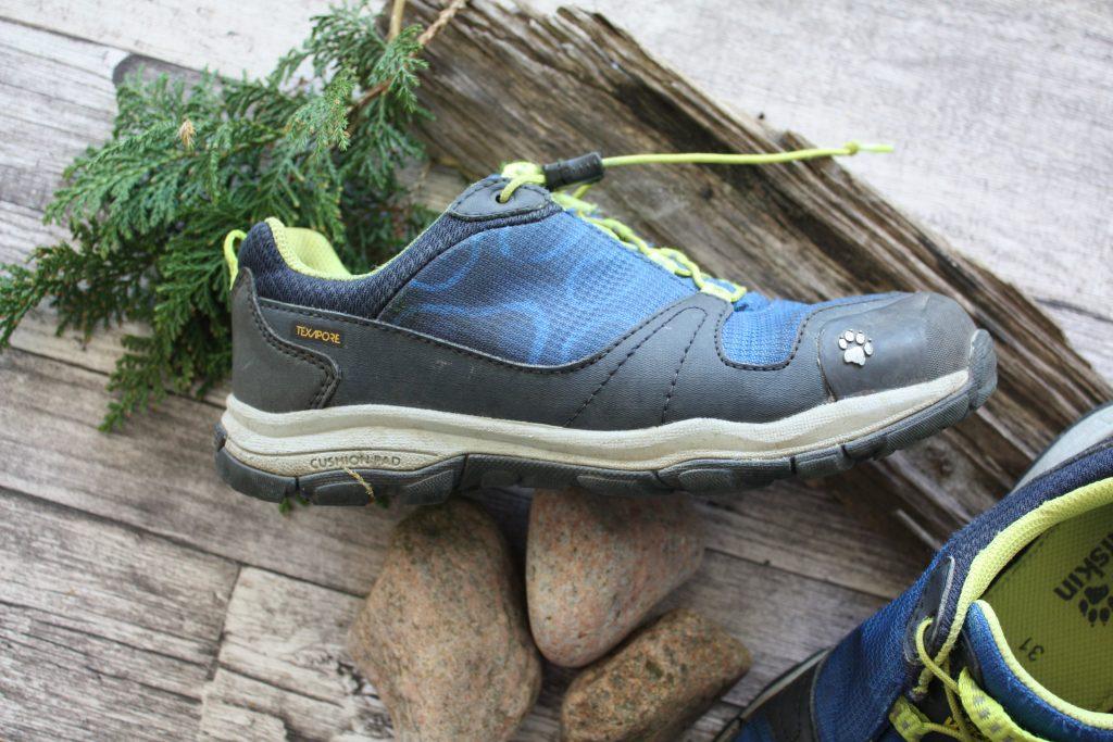 16010173d9e Smarta detaljer på vattentäta skor till barn! - Utebarn.se