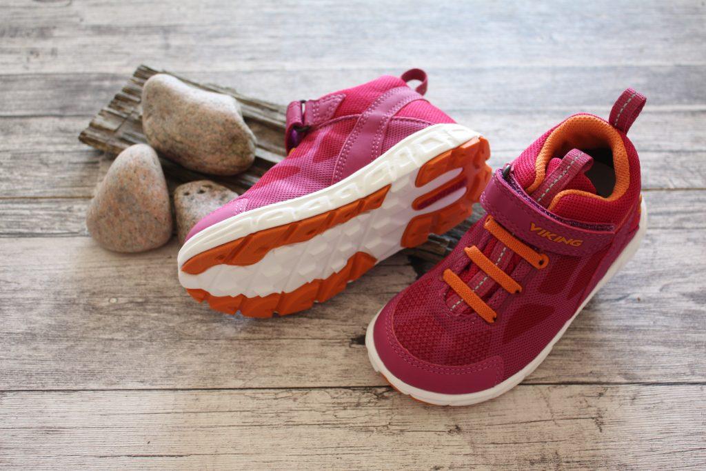 Smarta detaljer på vattentäta skor till barn! Utebarn.se